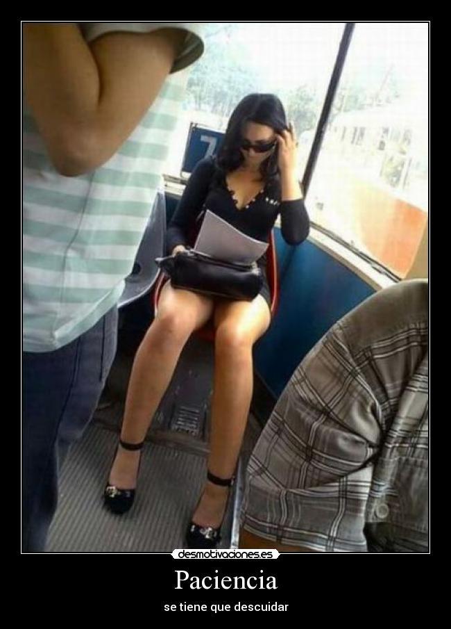 Фото девушек в общественном транспорте под юбочки 31 фотография