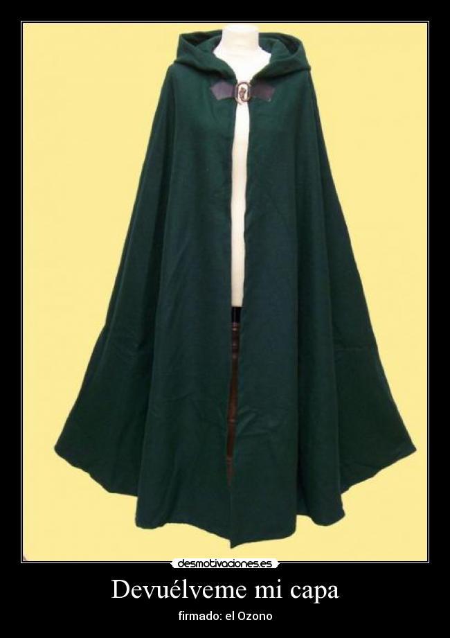 Средневековый плащ с капюшоном