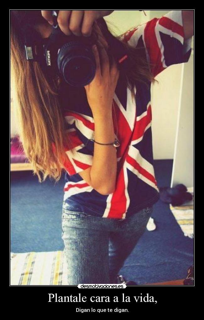 Фото девушки со спины в одежде 13 фотография