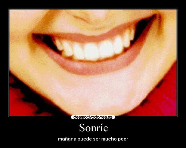 carteles sonrie positividad negatividad desmotivaciones