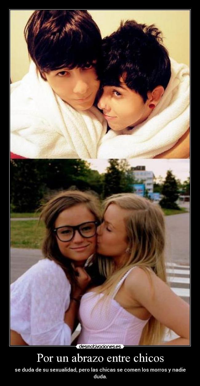 image Dos suecas lesbianas jugando en el suelo