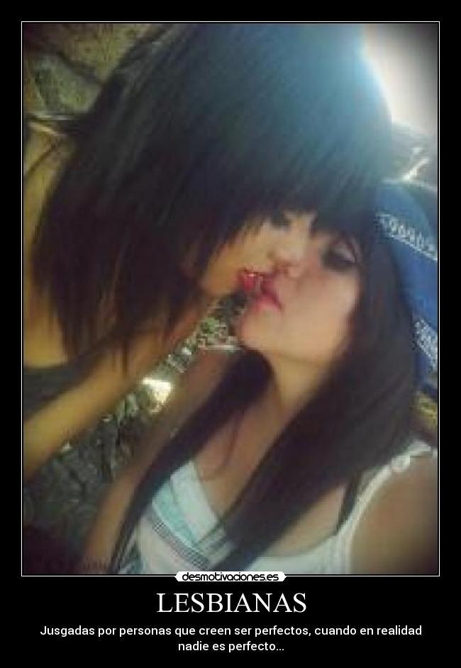 Lesbianas Pantimedias Videos From JizzBunkercom,