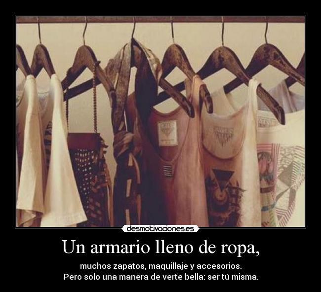 Un armario lleno de ropa desmotivaciones - Armario de ropa ...