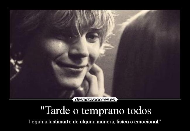 carteles tate langdon smile cry violet american horror story nyanperona tumblr black and white desmotivaciones
